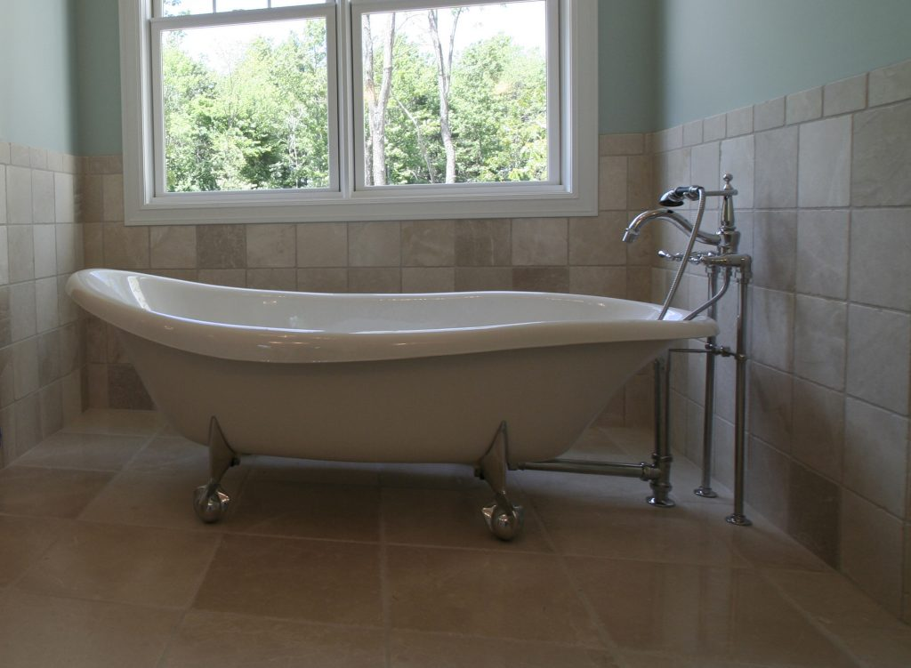 lot10_ladies_tub_dark